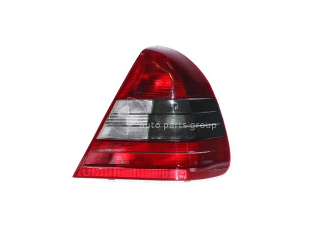 Tail Light Drivers Side Fits Mercedes-Benz C Class BAE-21041RHQ Sparesbox - Image 1