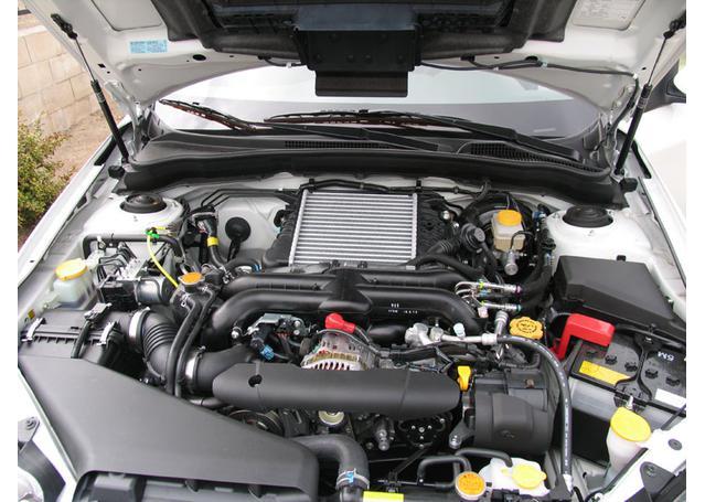 K&N Hi-Flow Performance Air Filter 33-2304 Sparesbox - Image 2